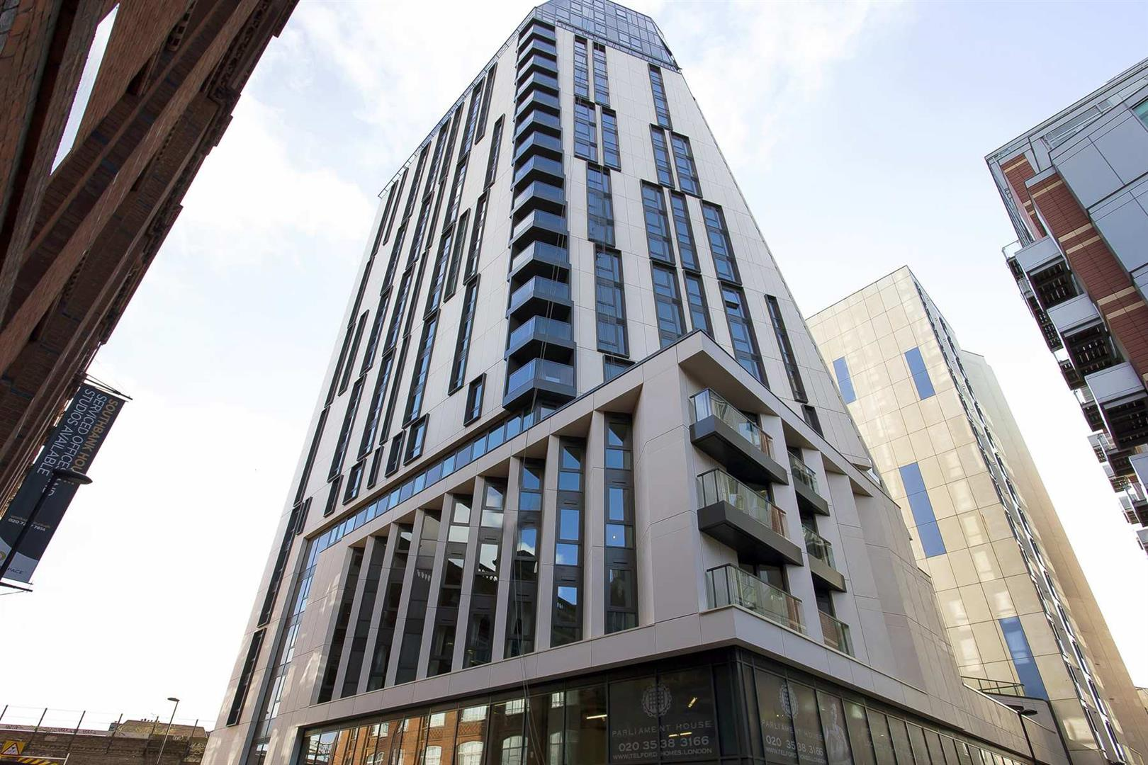 2 Bedrooms Flat for sale in Parliament House, Black Prince Road, Albert Embankment, London SE1